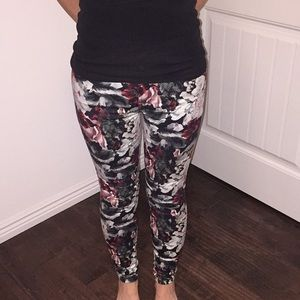 7 for all mankind floral jean size 26